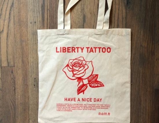 Liberty tattoo - Chinatown Rose Tote Bag